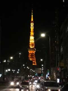 110312東京タワー曲がる.jpg