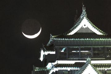130321熊本城と三日月横.jpg