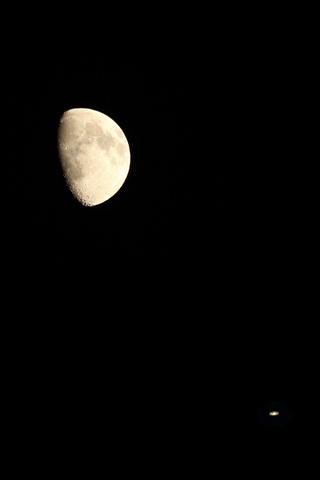 150726月と土星.jpg
