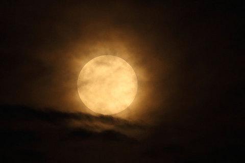160818半影月食の満月.jpg