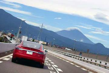 160907テスラで箱根a.jpg
