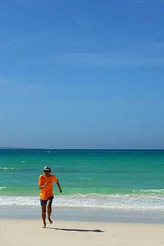 170630ビーチを走る.jpg