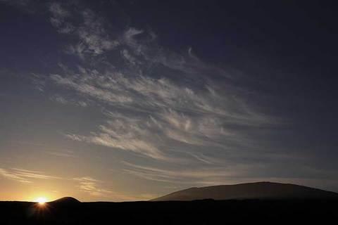 180509マウナケアの夜明けb.jpg